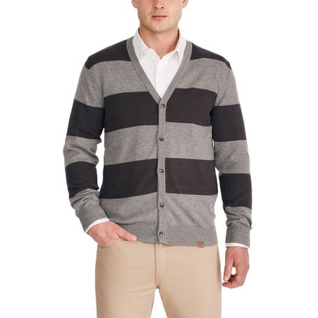 complementa-tu-estilo-el-nuevo-cardigan-sarandon-de-john-confeccionado-con-materiales-premium-y-con-un-estilo-versatil-para-que-puedas-combinarlo-con